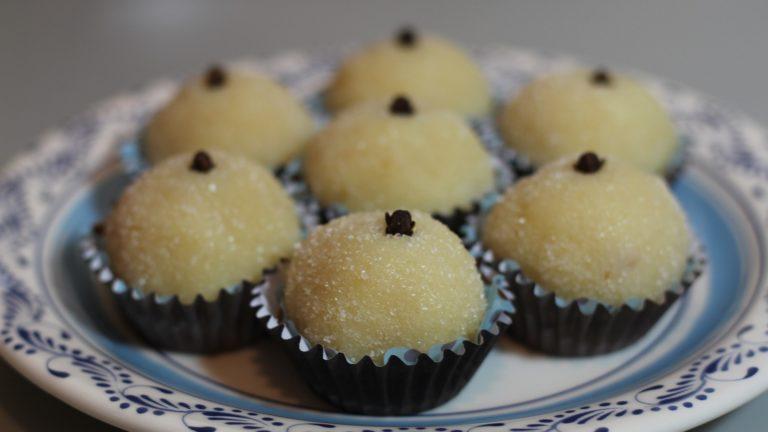 Beijinho de coco low carb. Receita fácil e deliciosa